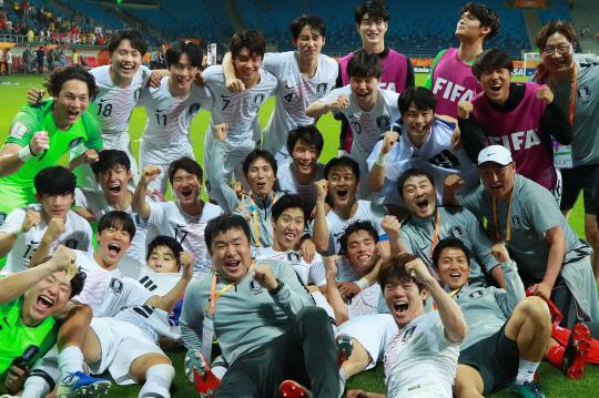 정정용호, 우크라이나와 우승 다툼…16일 한국축구 새역사 쓴다